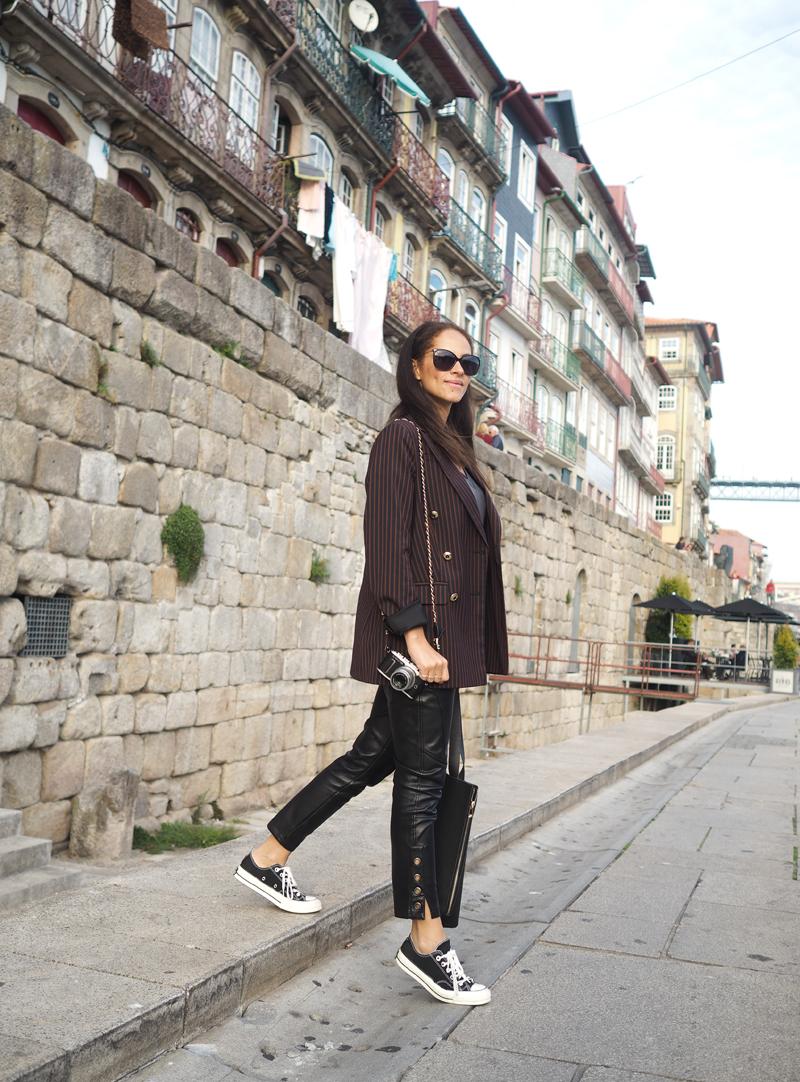 Amandine travel blogger in Porto Portugal