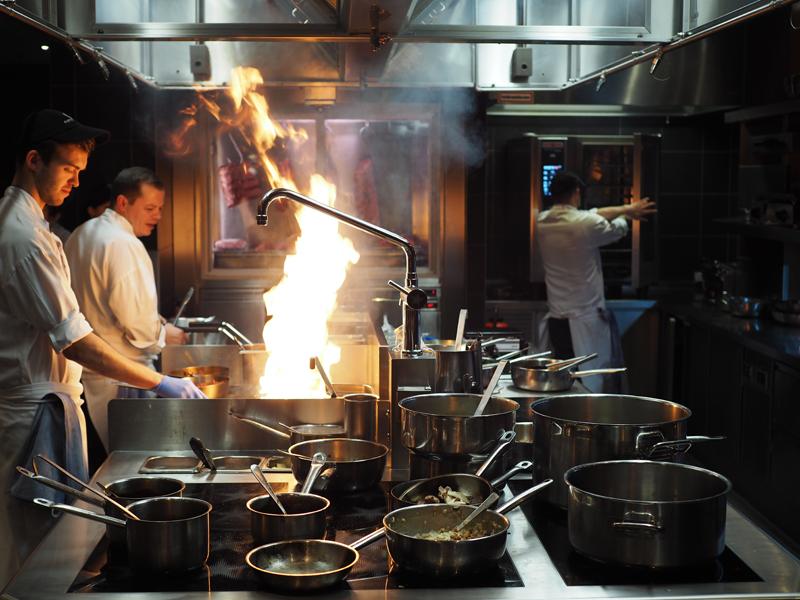 kitchen at Midtown grill Berlin Marriott hotel