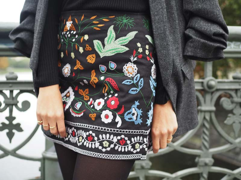 outfit embroidered skirt