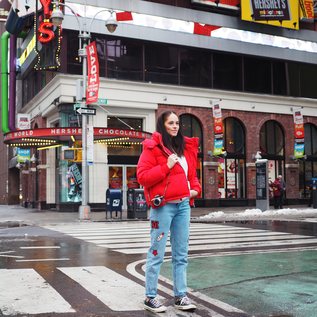 Outfit - Red puffer jacket and patch jeans