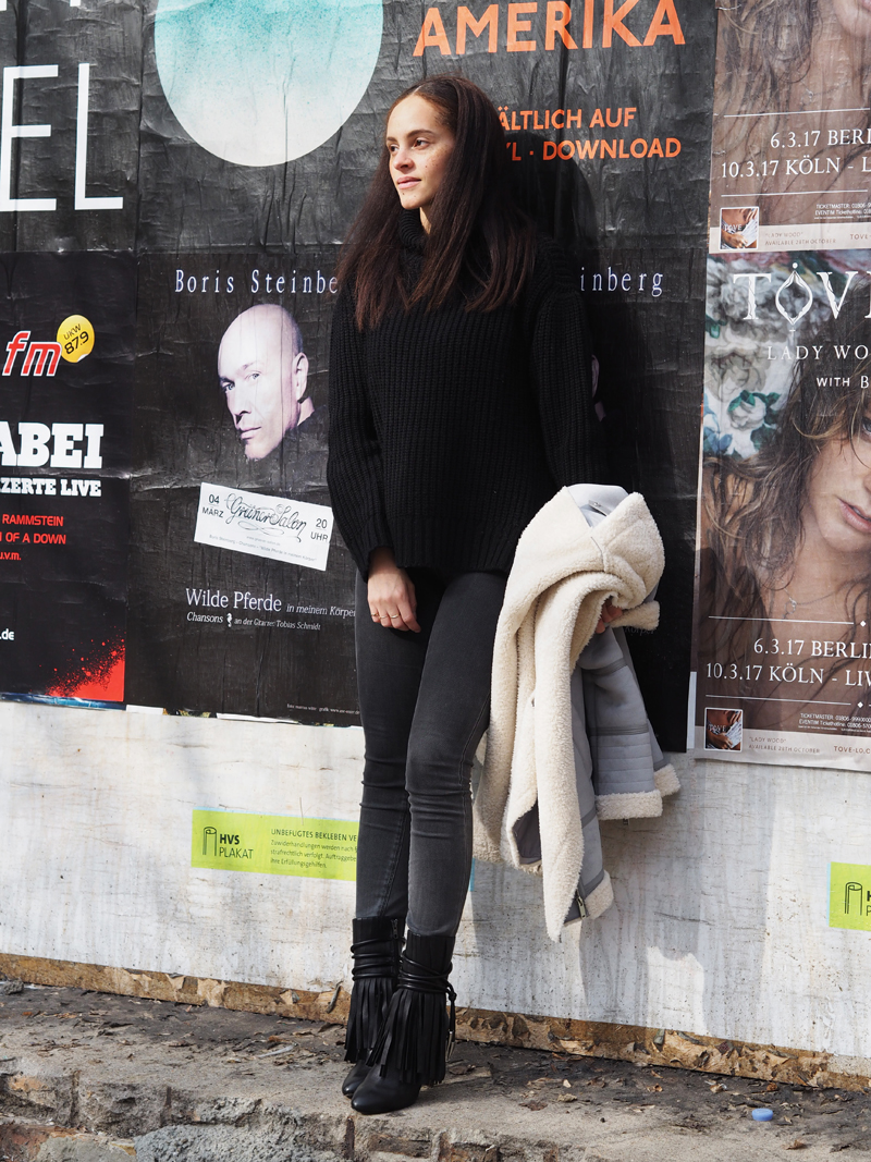 Ash booties fringe Berlin blogger