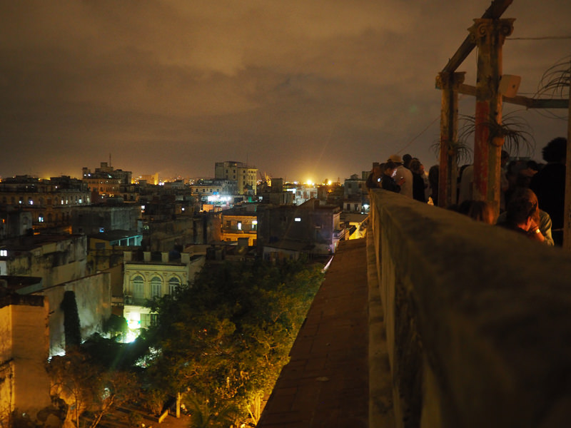 Cuba-Havana-rooftop-bar-best-Mojito-La-Roma-alternativ-bar