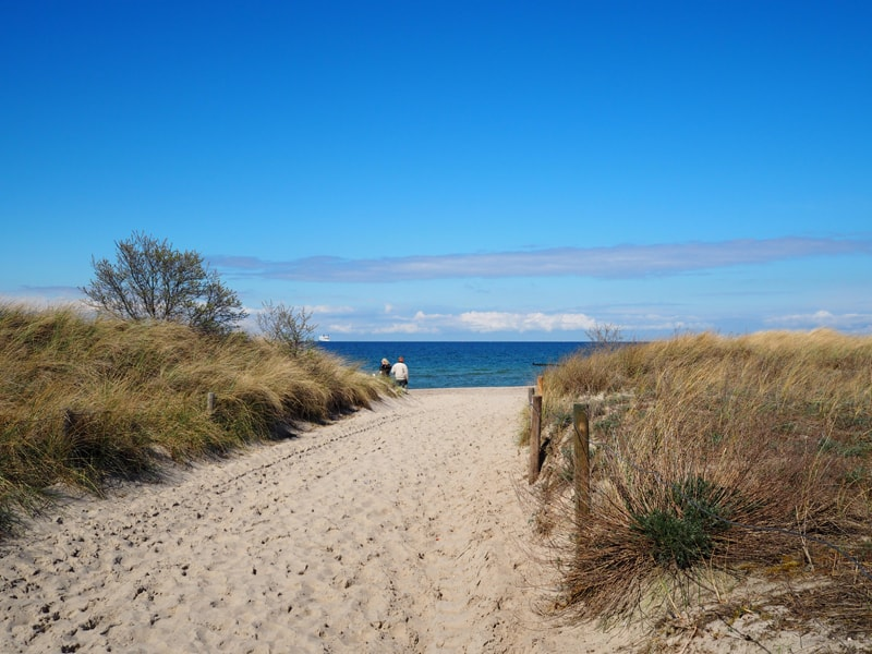 Berlin car rental Lets Croove roadtrip Ostsee Warnemünde 3-min