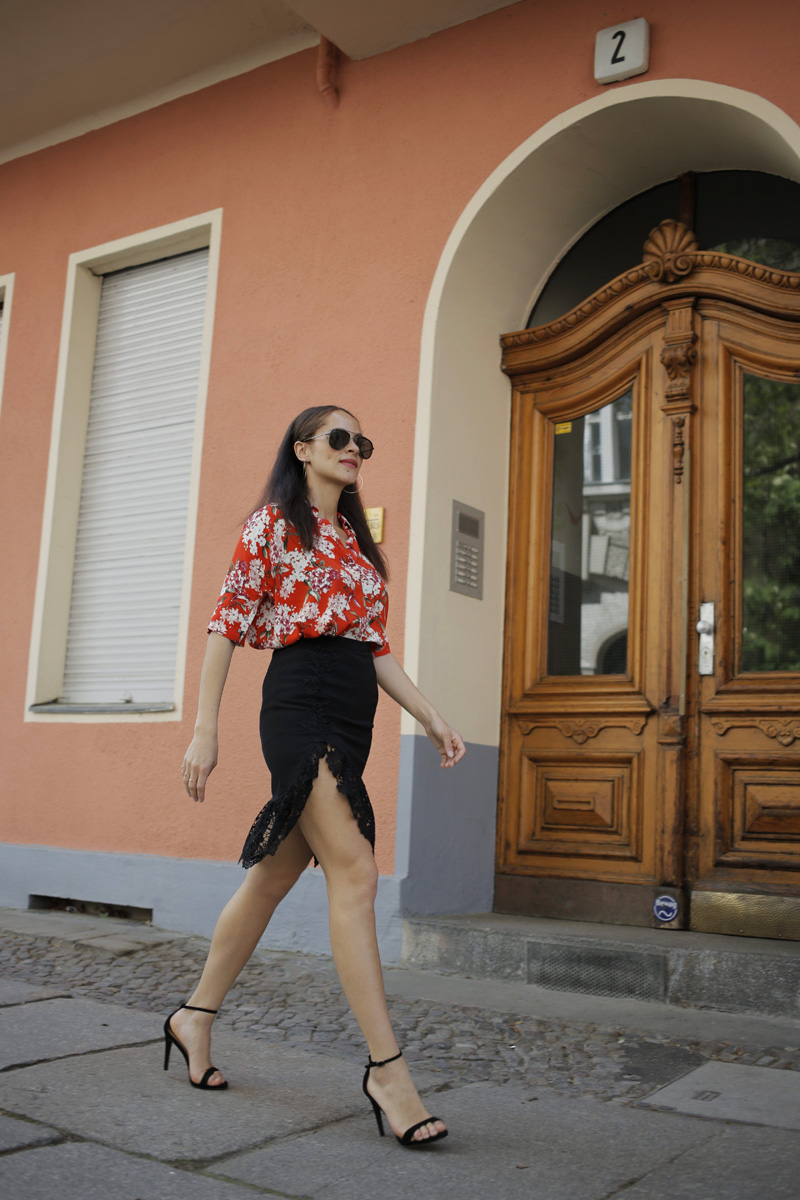 fashion blogger Germany Oui blouse and black lace split midi skirt