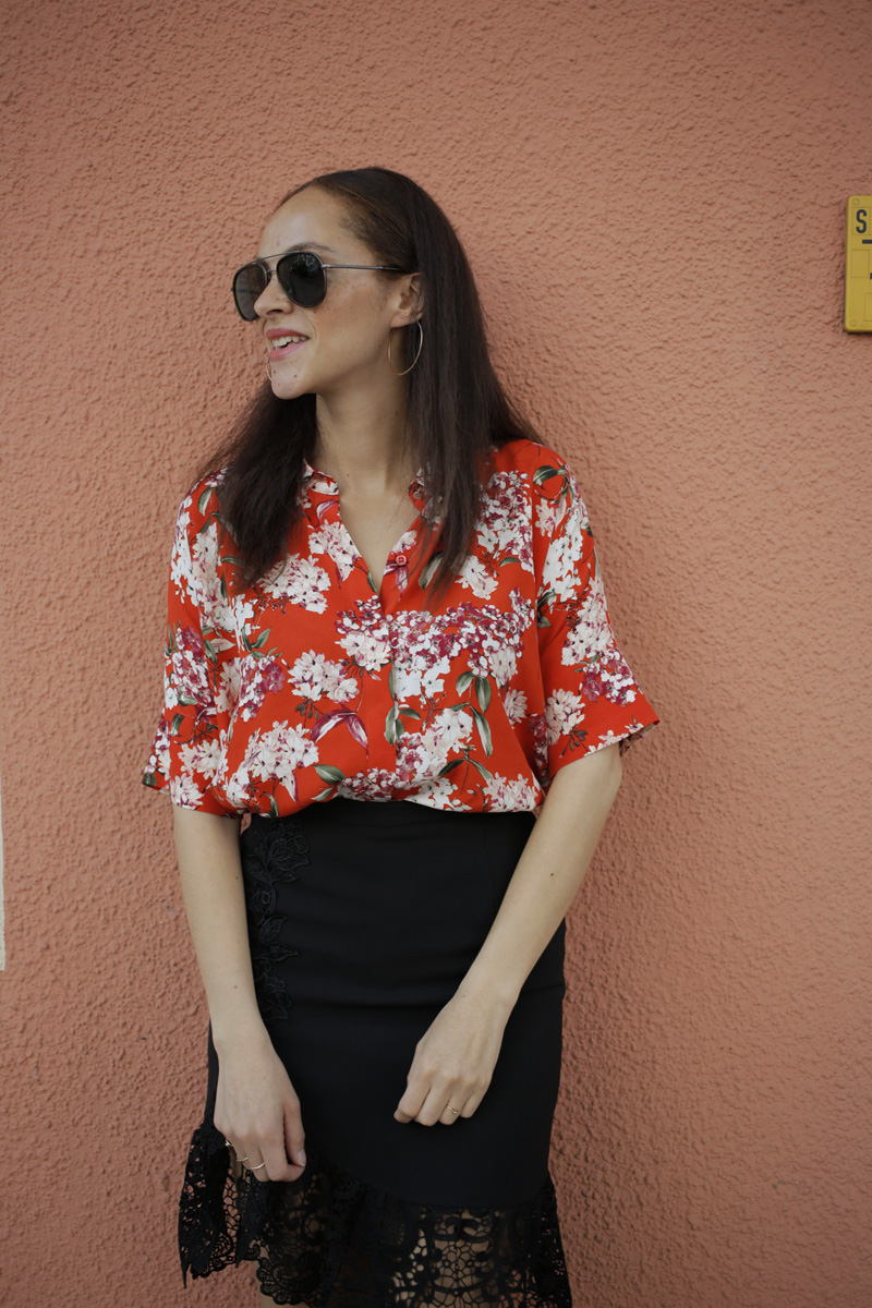 german fashion blogger Oui blouse and black lace split midi skirt