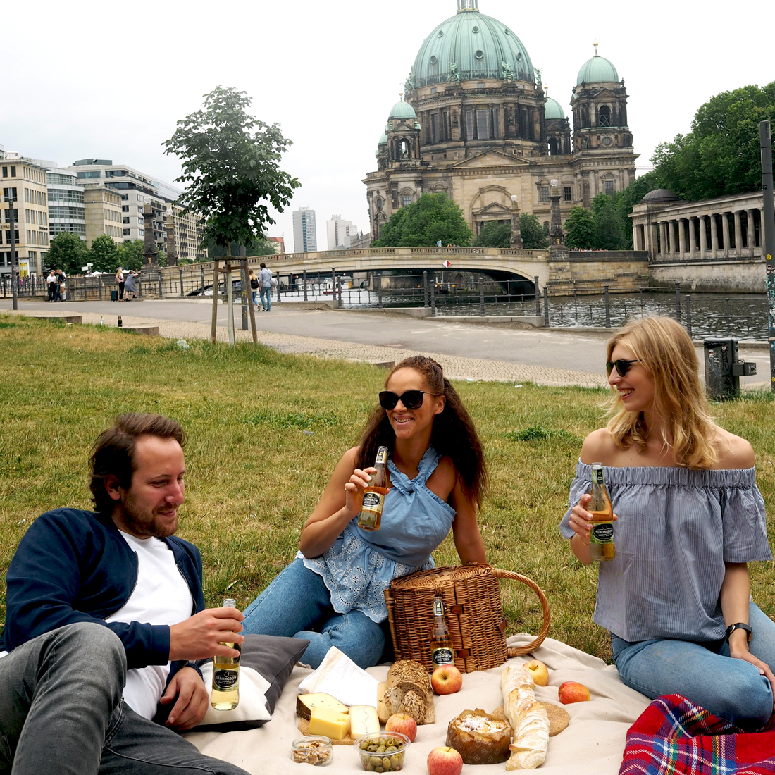 Picnic Berlin Strongbow Cider preview