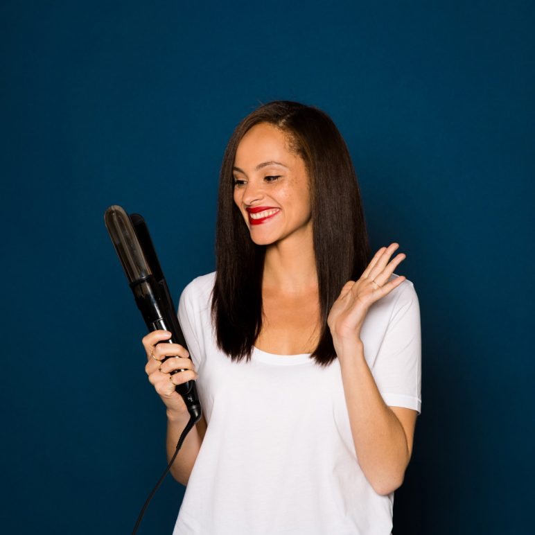 Straightening my hair with Babyliss Pure steam ST495E & Iconic brush