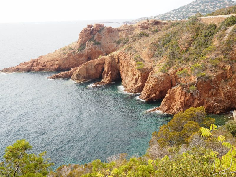 Places to visit in South of France top French Riviera beaches Corniche d'Or