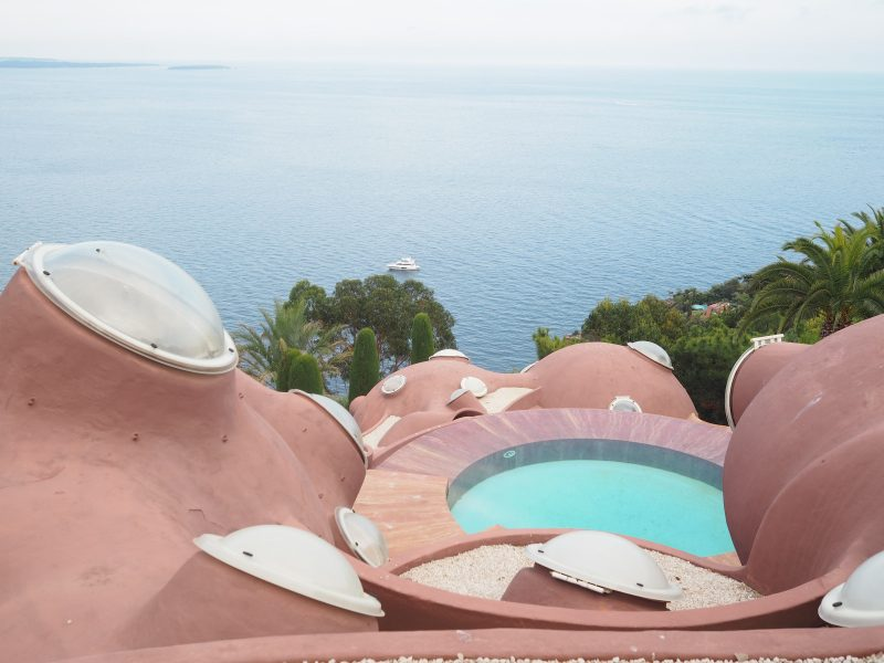 Places to visit in South of France in the Esterel massif - Palais Bulles