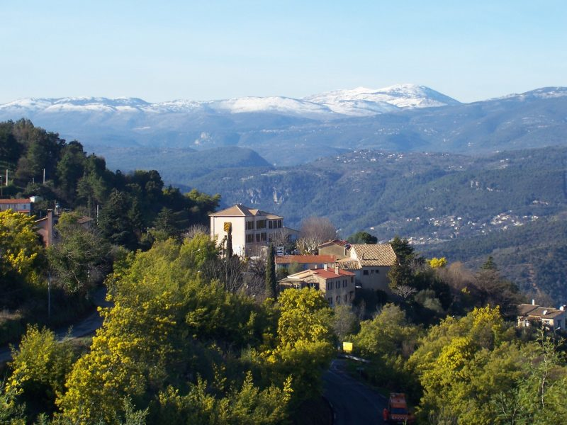 Places to visit in South of France in the Esterel massif perched villages of fayence Tanneron