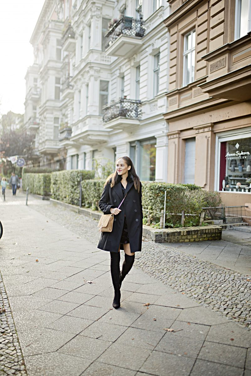 fashion blogger Germany Outfit - Black Faux fur collar coat