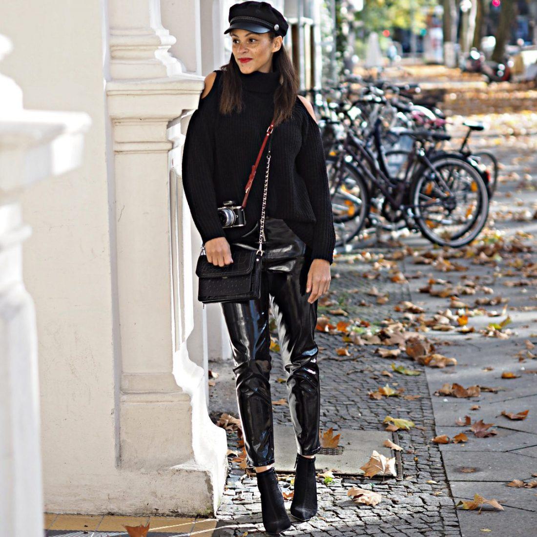 outfit vinyl pants and off the shoulder rollneck les berlinettes. Black Bedroom Furniture Sets. Home Design Ideas