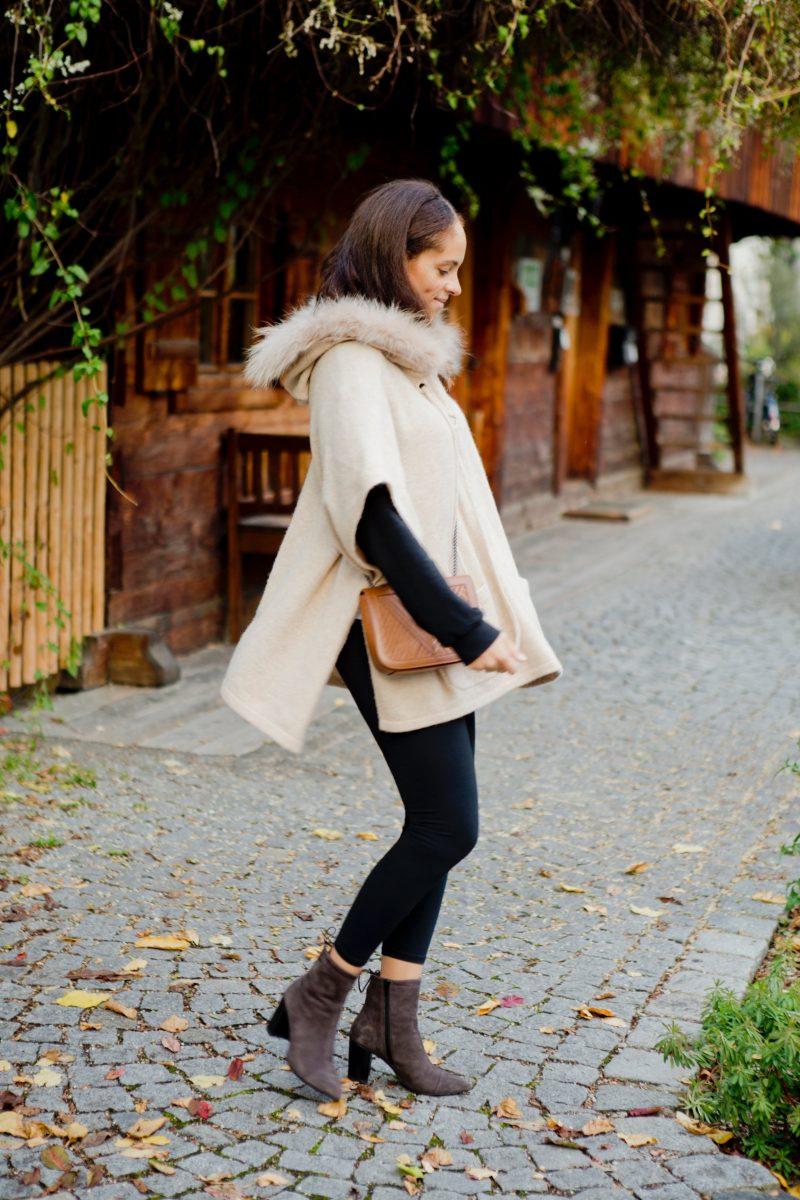 Outfit Luisa Cerano cape Saida Vagabond shoes and Lili Radu Coachella bag