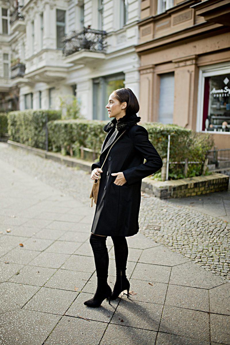 Outfit - Black Faux fur collar coat 1