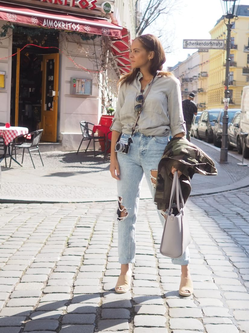 Outfit – Ripped jeans and Soludos espadrilles