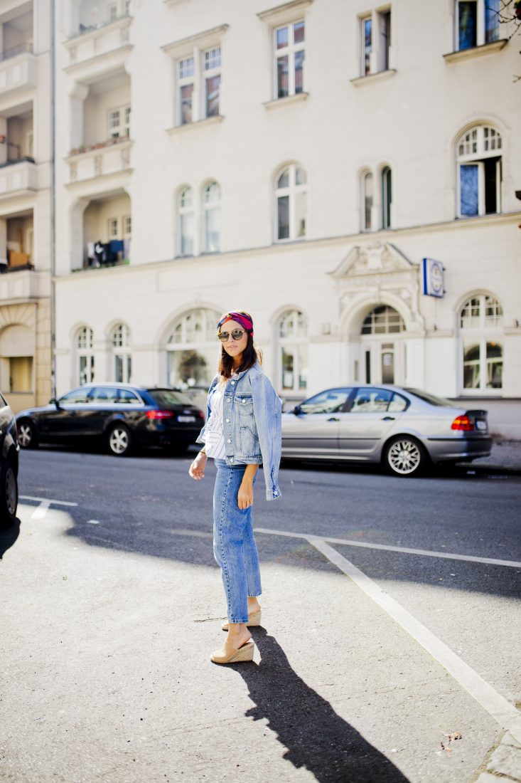 berlin fashion blogger Outfit - Denim on denim and one shoulder top