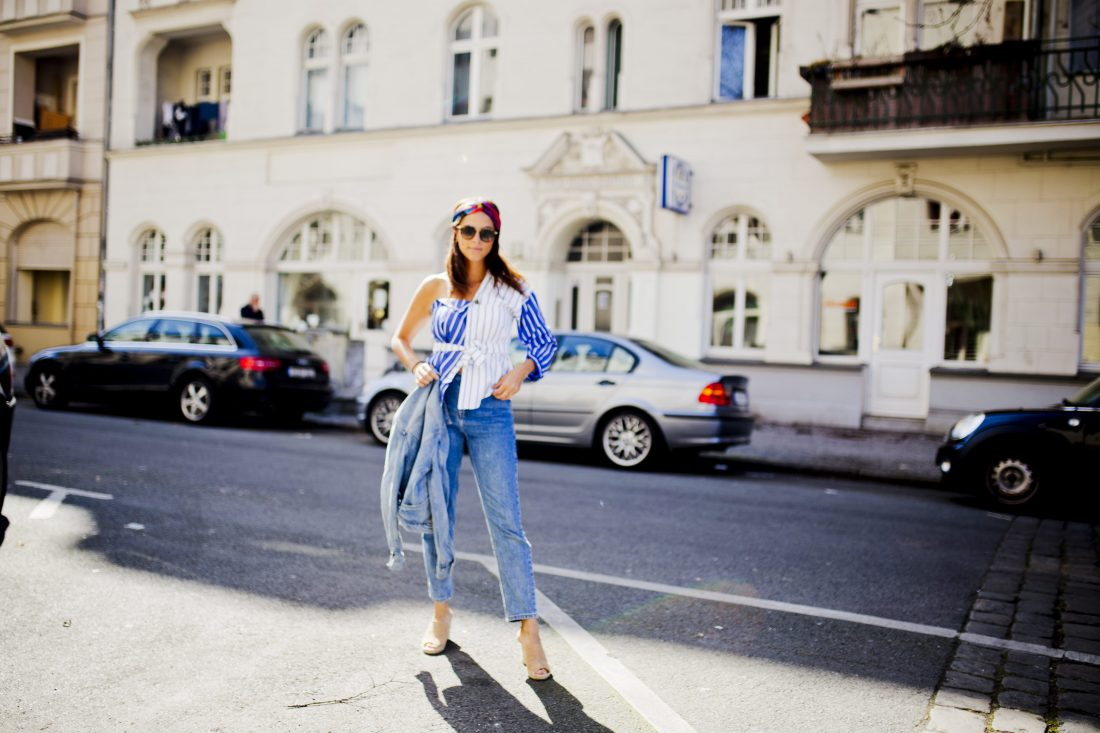 fashion blogger germany Outfit - Denim on denim and one shoulder top
