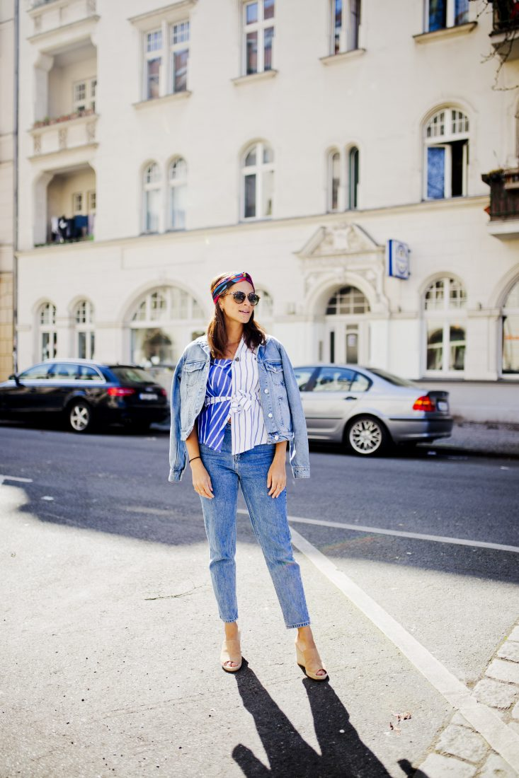 lifestyle blogger berlin Outfit - Denim on denim and one shoulder top