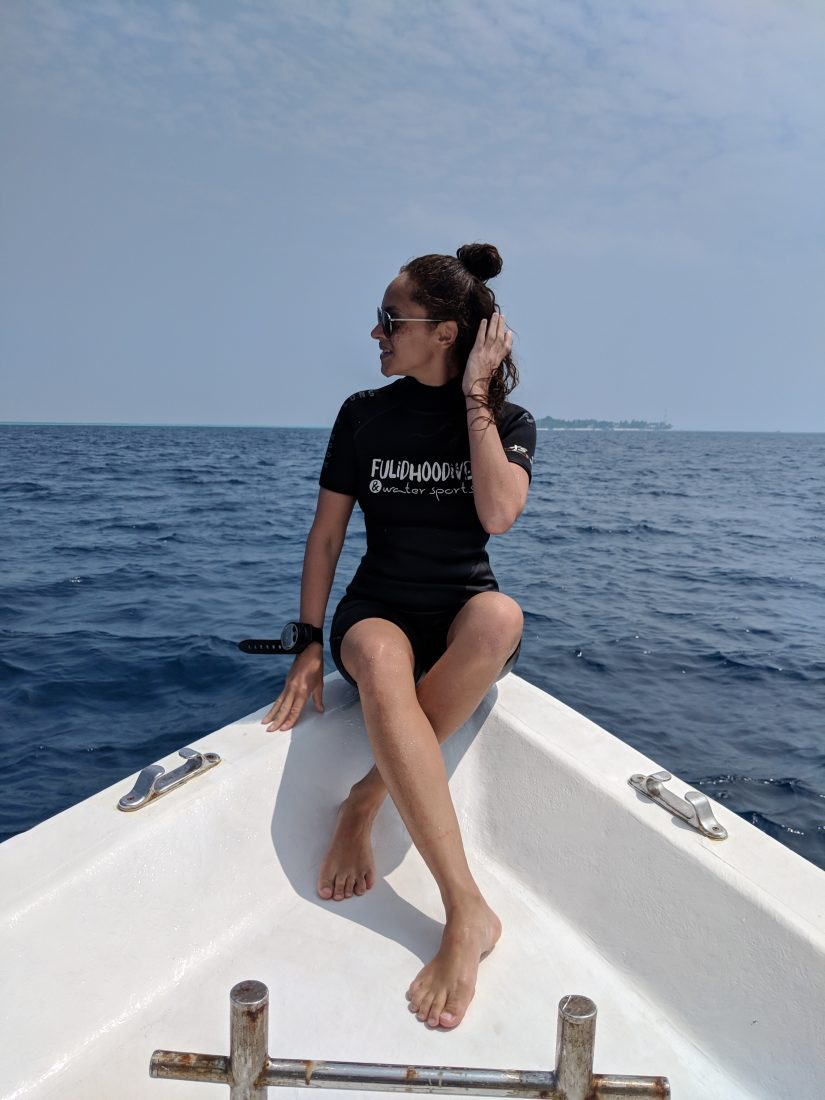 travel blogger diving Fulidhoo Maldives