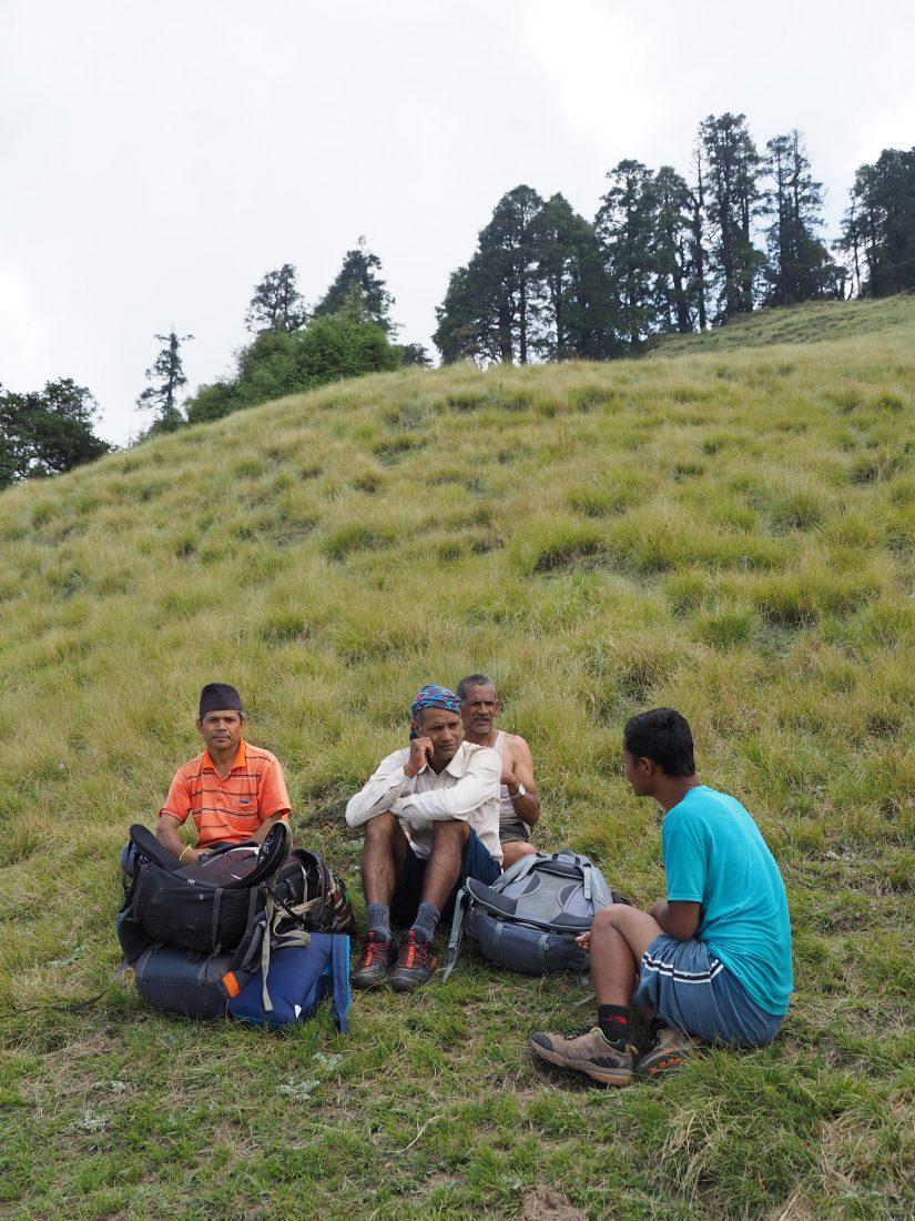 Short trek in Nepal - Mohare Donda trek porters