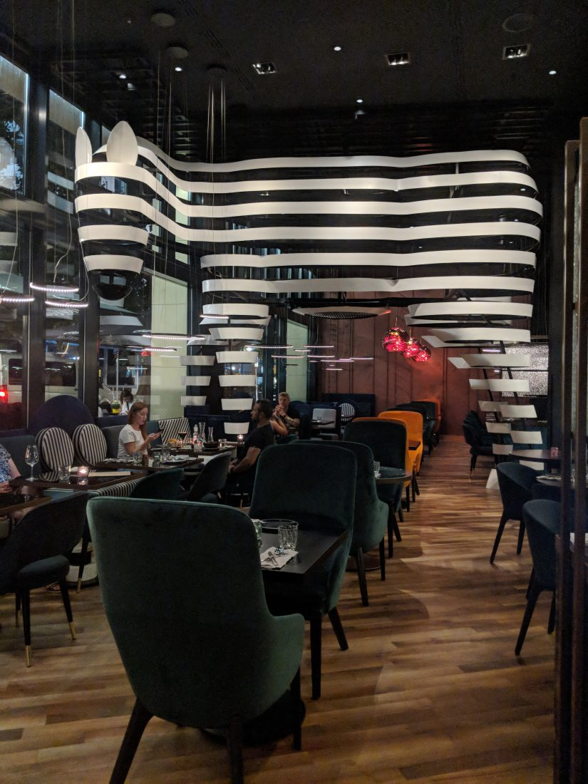 recently i had the opportunity to eat at blend berlin kitchen and bar i got aware of blend kitchen and bar as i saw the very cool interior design of the - Les Kitchen