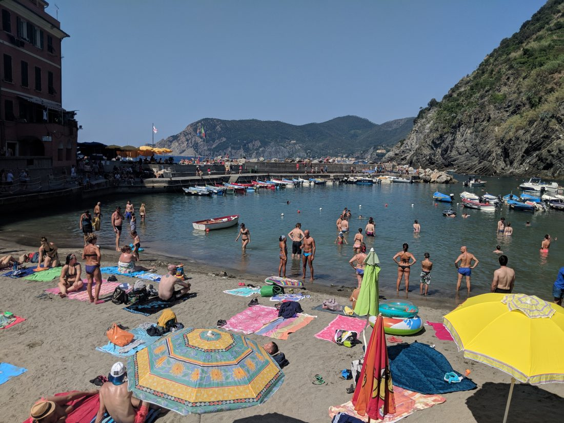 One day in Cinque Terre Pictures Vernazza beach 2