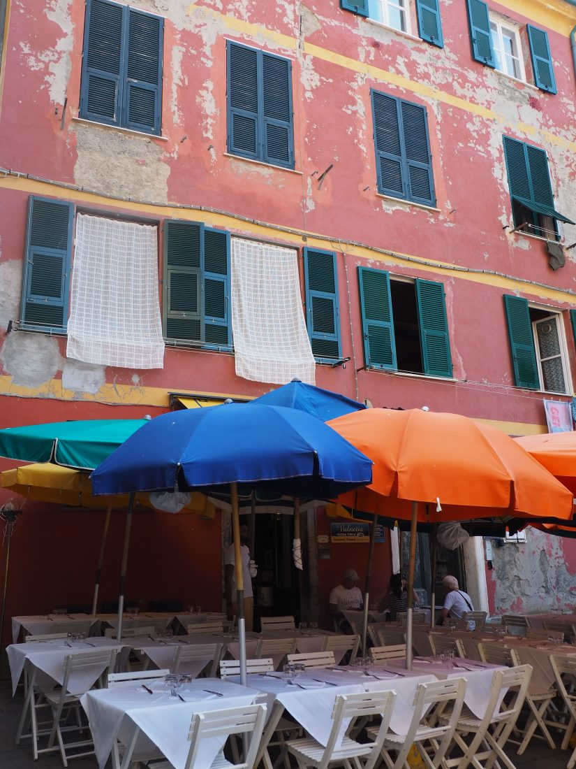 One day in Cinque Terre Pictures Vernazza restaurant