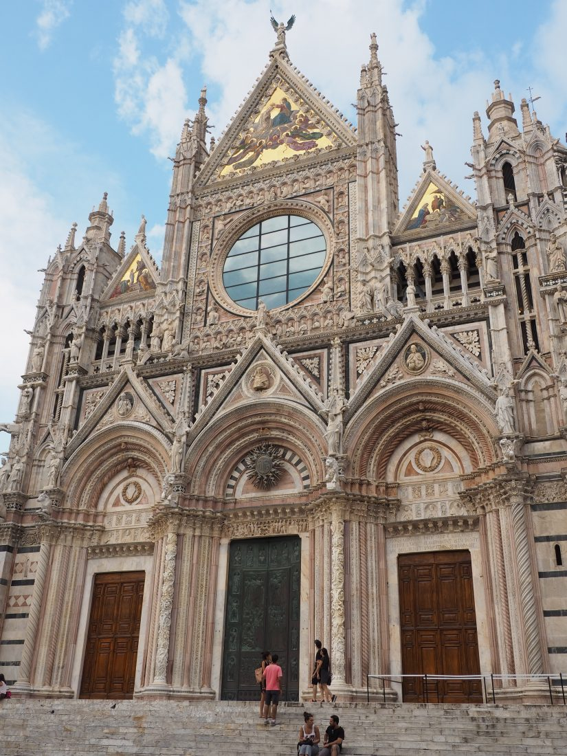 Roadtrip in Tuscany, top towns in Tuscany Siena Duomo