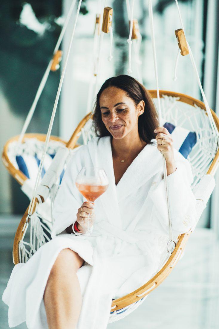 Lifestyle blogger Bota Bota Canada