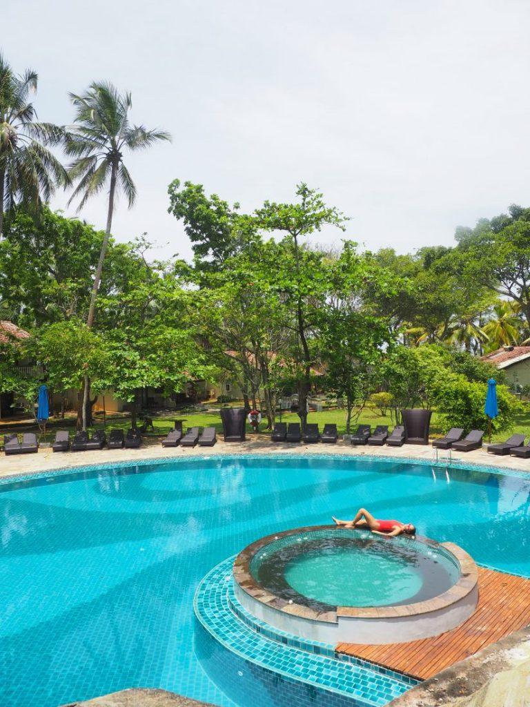 Ayurveda and yoga retreat in Sri Lanka - Review Siddhalepa resort pool 1