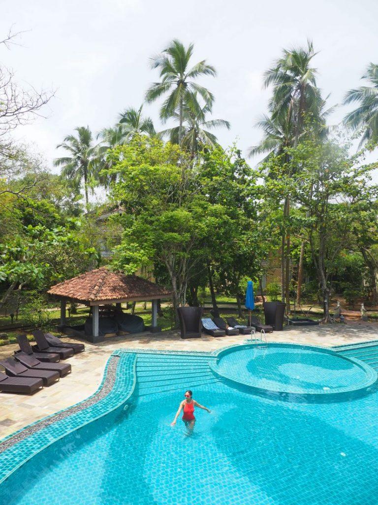 Ayurveda and yoga retreat in Sri Lanka - Review Siddhalepa resort pool