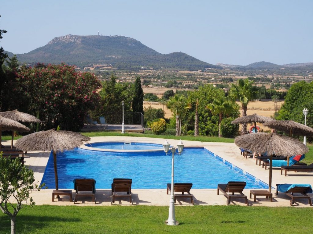 Yoga retreat at Finca Son Manera Mallorca pool