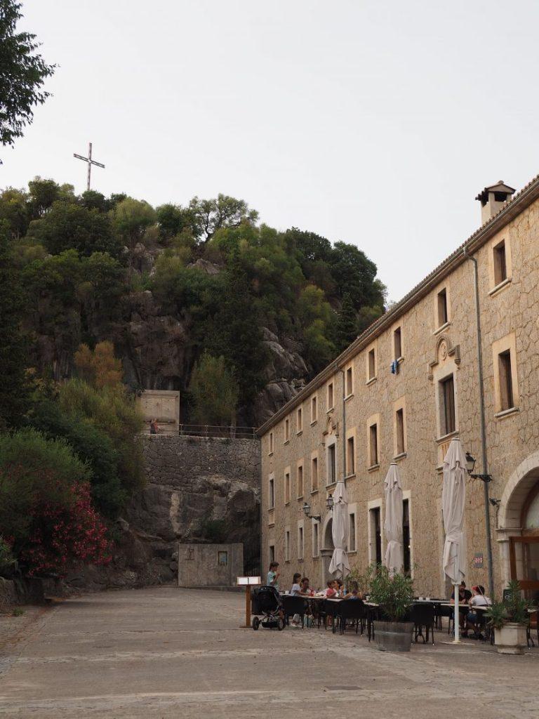 Mallorca road trip serra de Tramuntana Lluc monastery