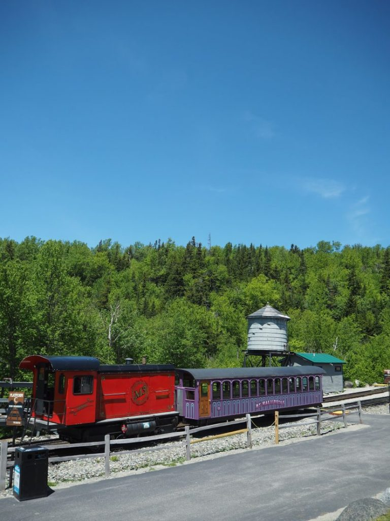 New England road trip Itinerary white mountains cog train-min