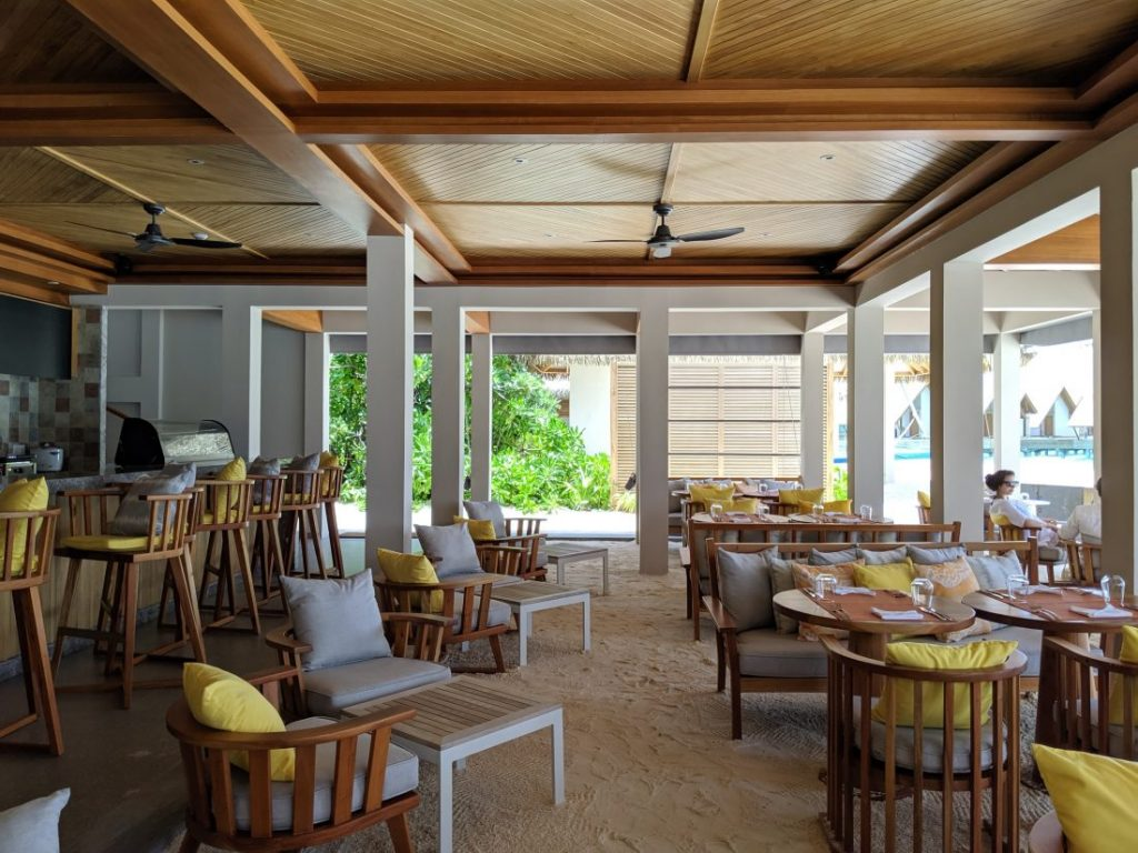 Review – Faarufushi Maldives resort in Raa Atoll restaurant