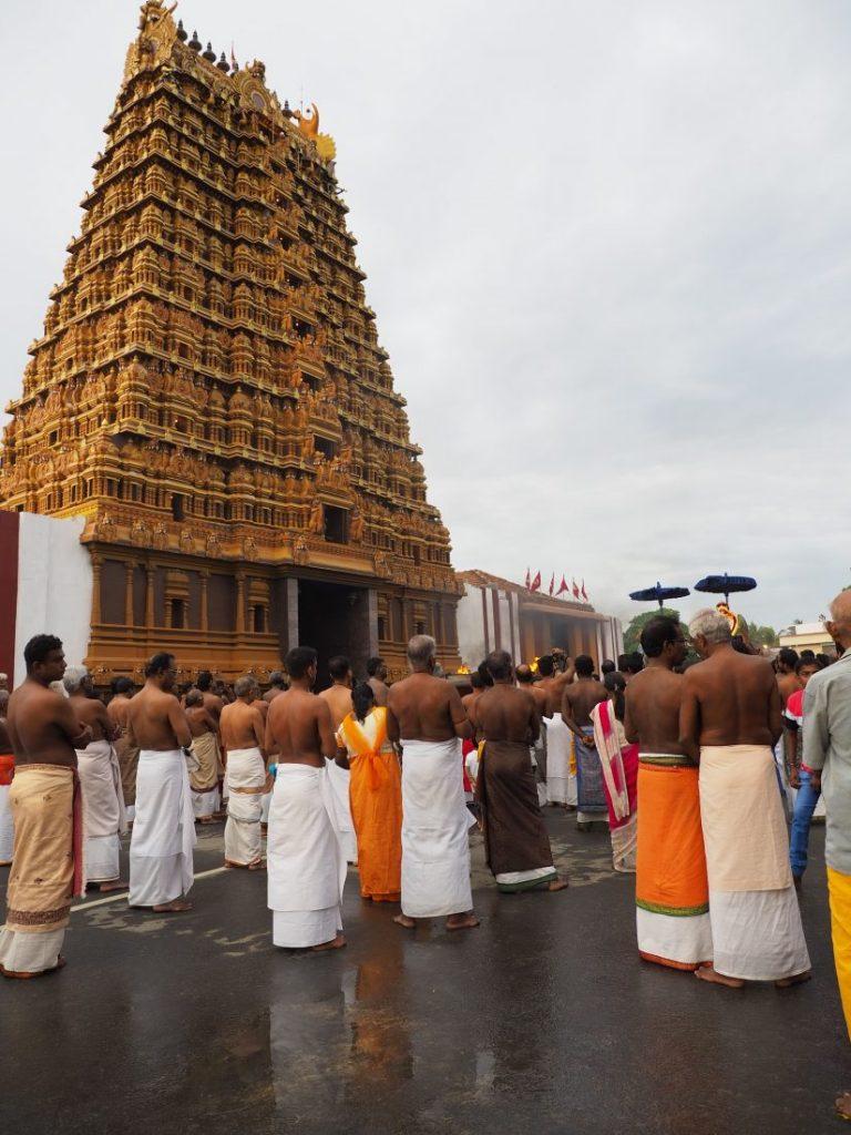 Sri Lanka itinerary - Sri Lanka travel blog Nainativu Nagapooshani Amman temple 2