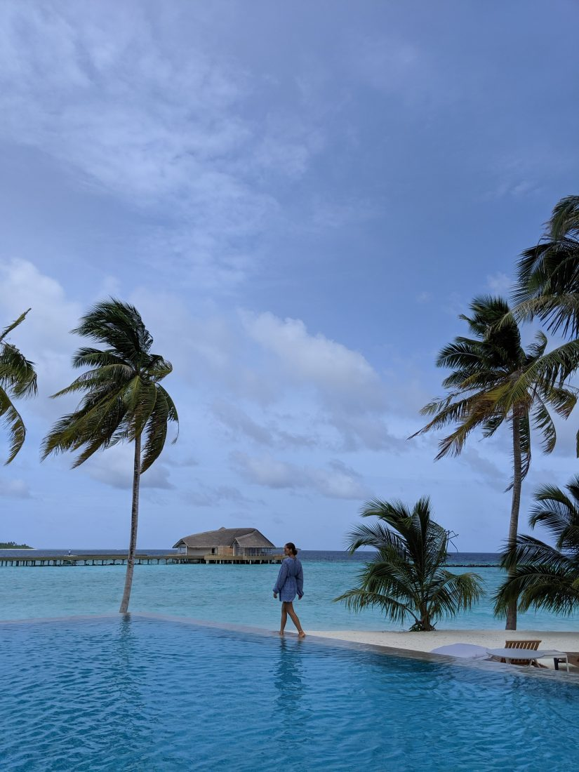infinity pool Faarufushi Maldives resort in Raa Atoll