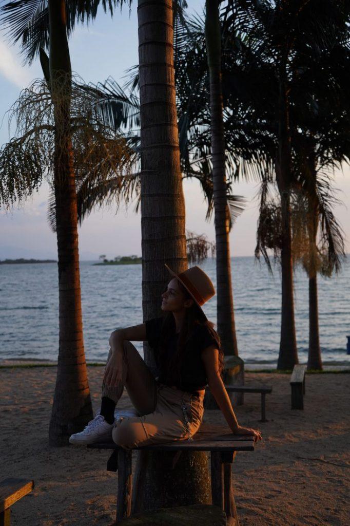 Travel blogger lake Kivu Rwanda