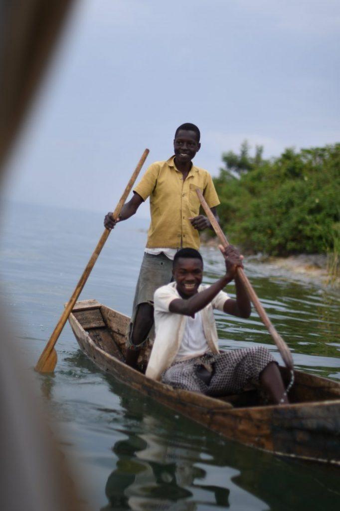 to see in Rwanda lake Kivu fishemen