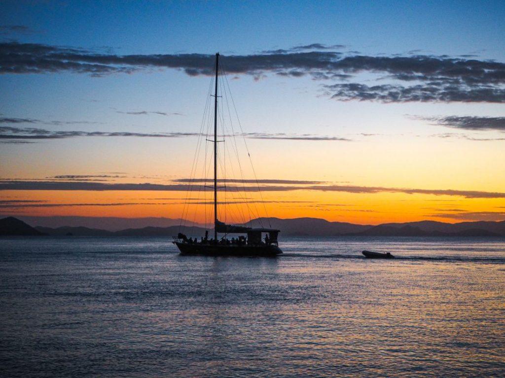 3 days sailing trip Whitsundays-min