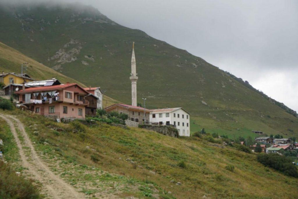 Demirkapi village